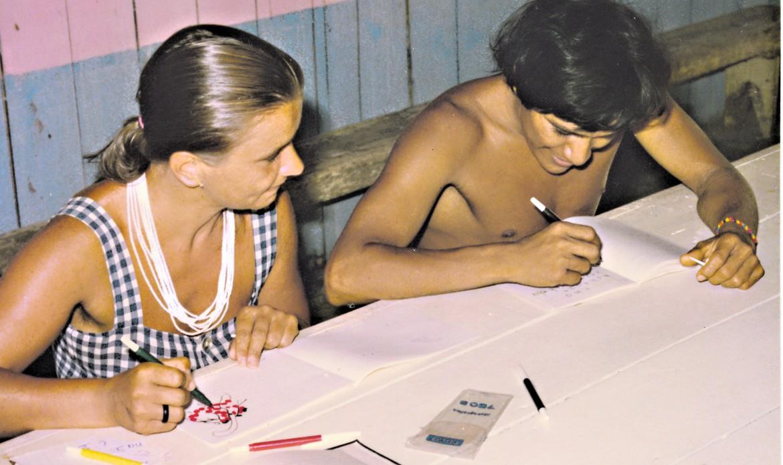 Alfabetizzazione di adulti nella foresta amazzonica