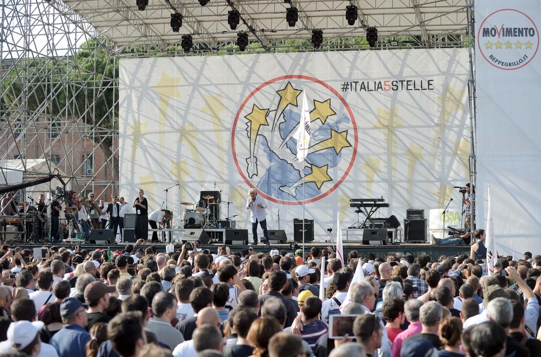 Beppe Grillo sul palco dei 5Stelle