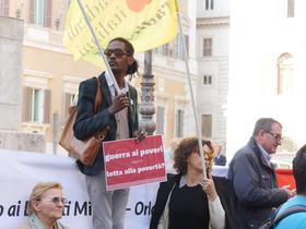 Roma, Piazza Montecitorio. Protesta delle associazioni contro i decreti Minniti-Orlando