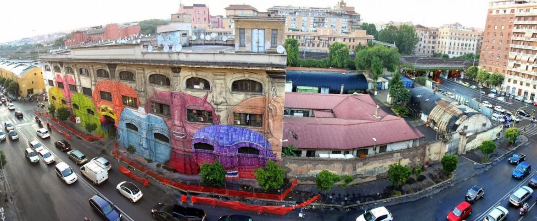 Un'opera di Blu a Roma
