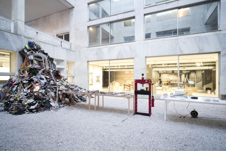 Daniel Knorr, «Materalization», Athens Conservatoire (Odeion)