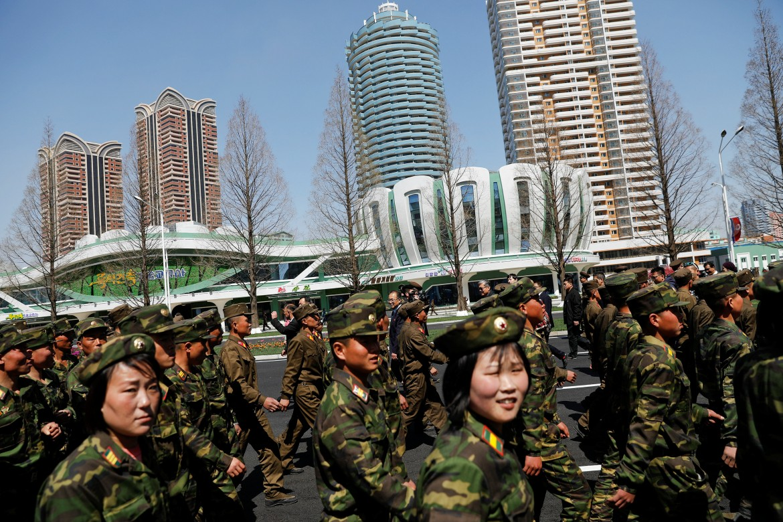 Festa ieri a Pyongyang per un nuovo centro residenziale
