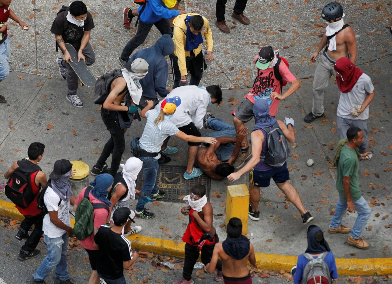 Tentativo di linciaggio a Caracas