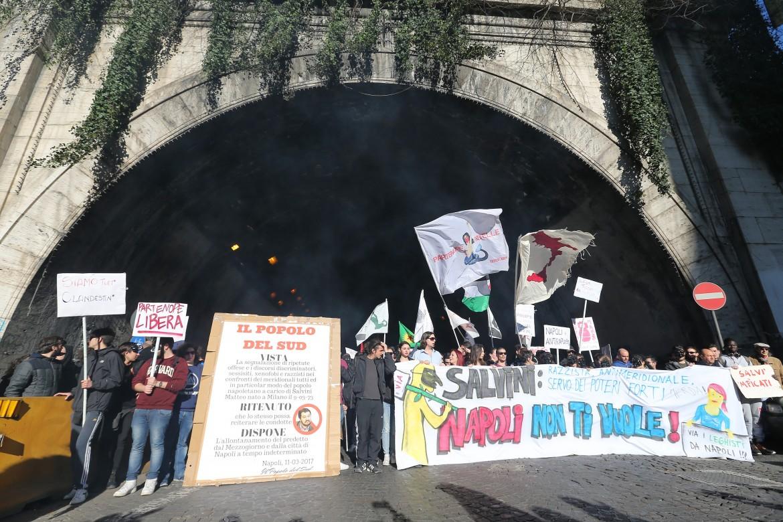 La manifestazione anti Salvini a Napoli, l'11 marzo scorso