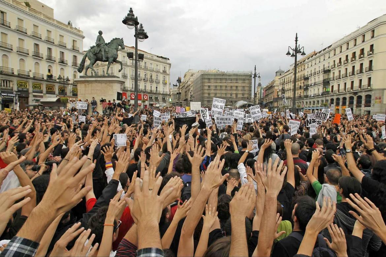 Indignados in piazza a Madrid nel 2011