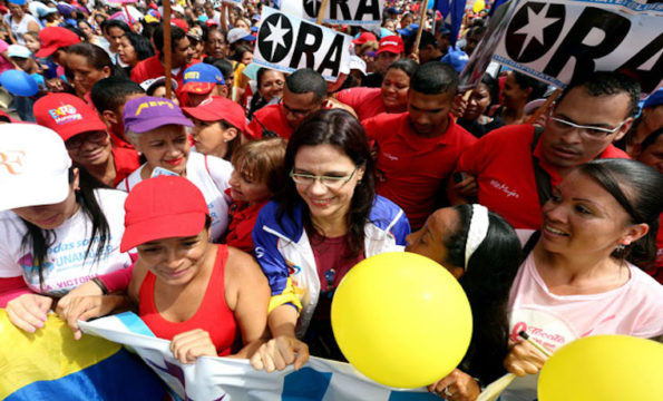 Venezuela, chaviste in piazza