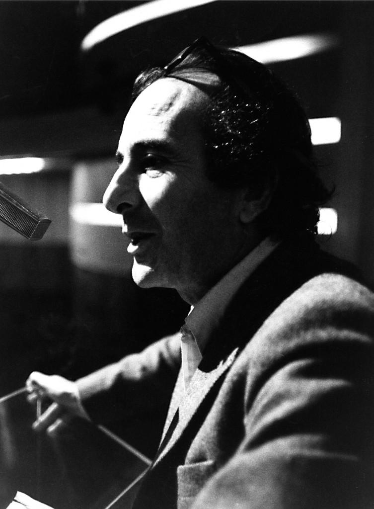 Valentino Parlato nel 1981 al Teatro Olimpico di Roma, foto Carlo Leidi