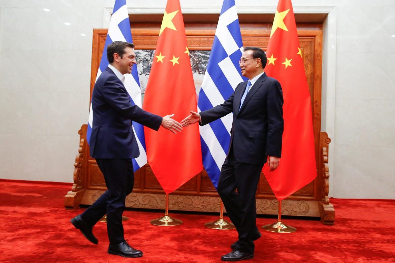 Il premier cinese Li Keqiang riceve il primo ministro greco Tsipras