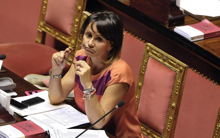 La sottosegretaria alle Infrastrutture Simona Vicari  si è dimessa