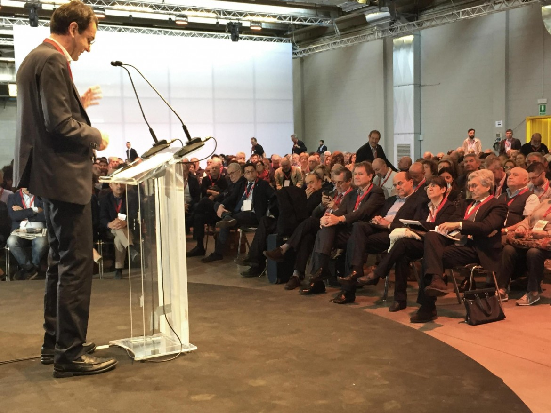 Un momento dell'assemblea di Mdp a Milano nello scorso fine settimana. Sul palco Alfredo D'Attorre