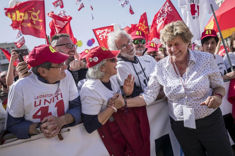 La segretaria Cgil Susanna Camusso a una manifestazione su voucher e Carta dei diritti universali