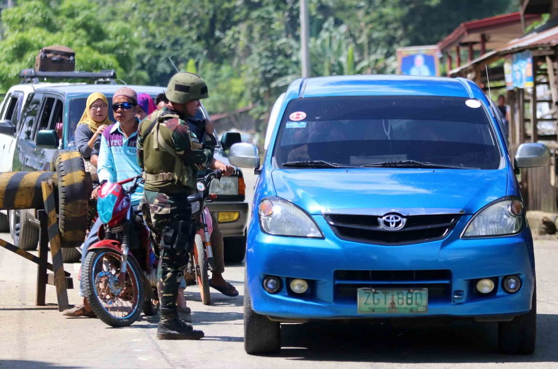 Tensione a Mindanao, dove è stata prorogata fino a tutto il 2017 la legge marziale