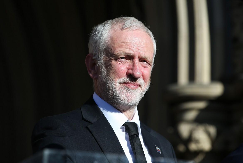 Jeremy Corbyn durante la sua visita a Manchester