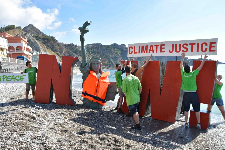 Protesta di Greenpeace all'ultimo G7 di Taormina