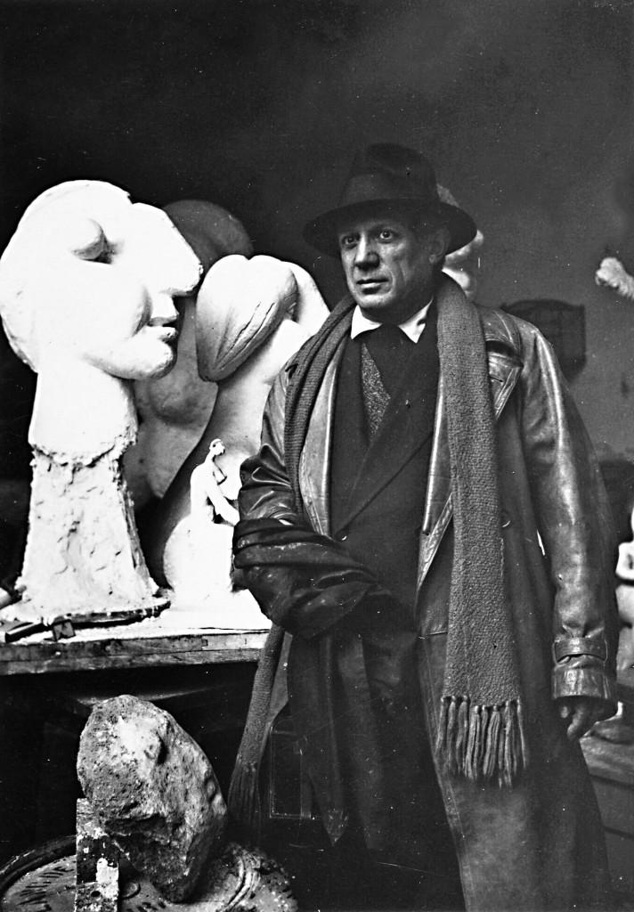 Pablo Picasso nell'atelier di Boisgeloup, Gisors © Succession Picasso 2017 / © RMN-Grand Palais (Musée national Picasso - Paris) / Mathieu Rabeau