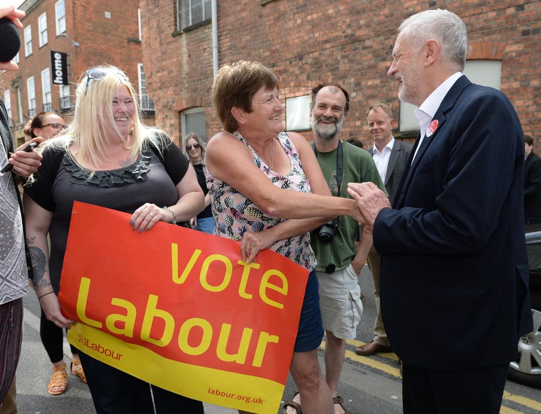 Lincoln (Merseyside), Jeremy Corbyn in campagna elettorale tra le famiglie di minatori