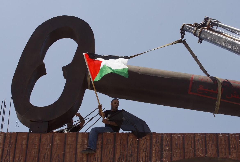 La chiave simbolo del ritorno dei rifugiati nel campo profughi di Aida, Betlemme
