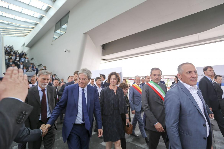 Paolo Gentiloni e Graziano Delrio inaugurano la stazione di Afragola