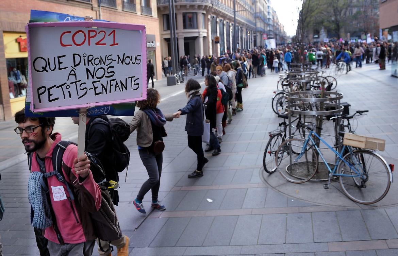 Tolosa, Francia: manifestazione contro gli accordi di Parigi