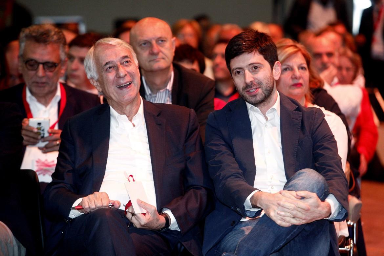 Giuliano Pisapia, ex sindaco di Milano, e Roberto Speranza (Mdp)