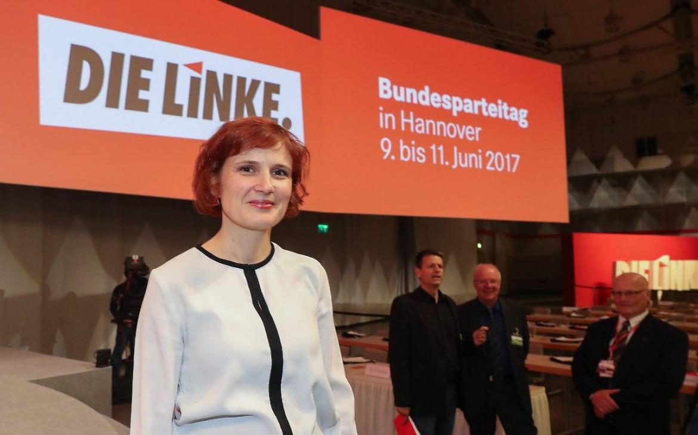 La leader della Linke Katja Kipping al congresso di Hannover