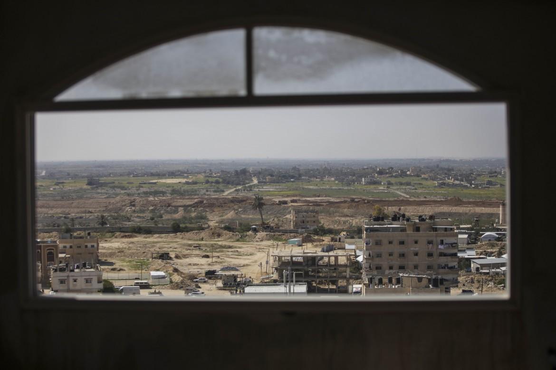 Il valico di Rafah, nel sud della Striscia di Gaza, visto dall'alto