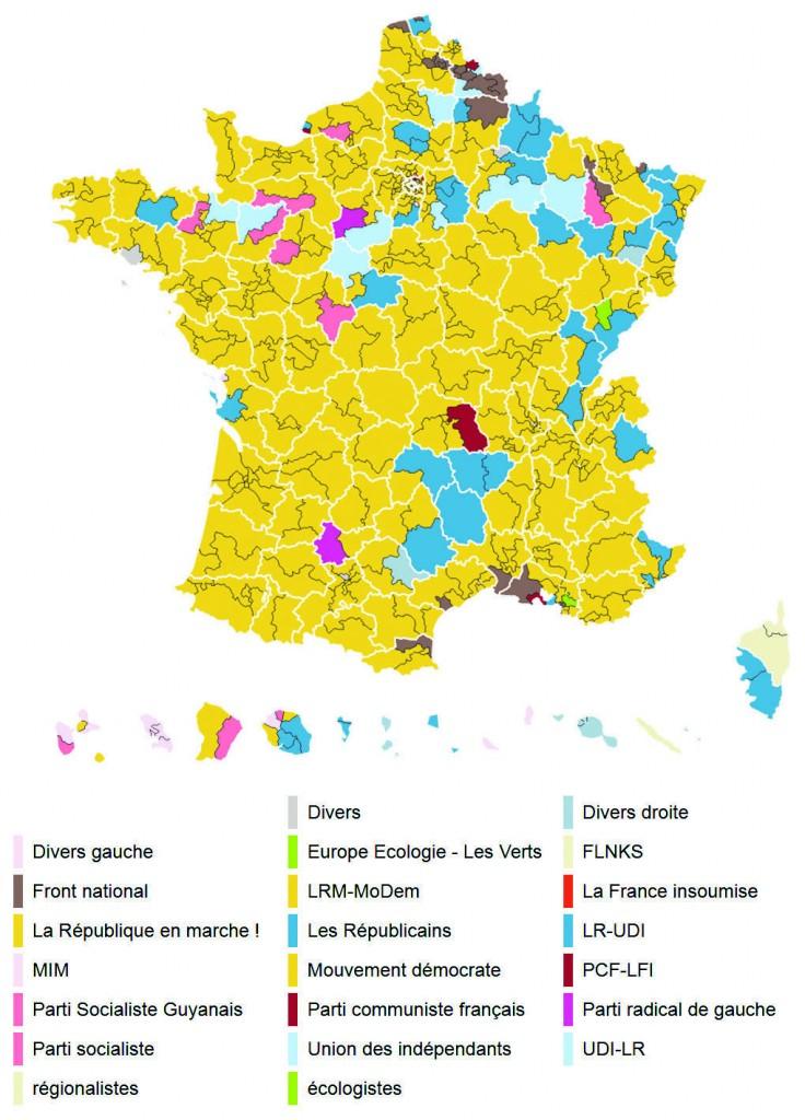 La cartina politica della Francia pubblicata da Le Monde dopo il primo turno. In giallo le zone con i candidati di Macron avanti