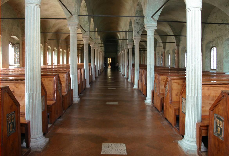 Una veduta della Malatestiana  di Cesena,  di cui il romagnolo Augusto Campana fu giovanissimo bibliotecario