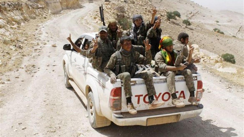 Le Ypg kurde impegnate nel nord della Siria contro l'Isis insieme i arabi, circassi, turkmeni e assiri