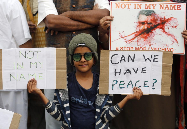 la protesta contro i linciaggi dei musulmani in India