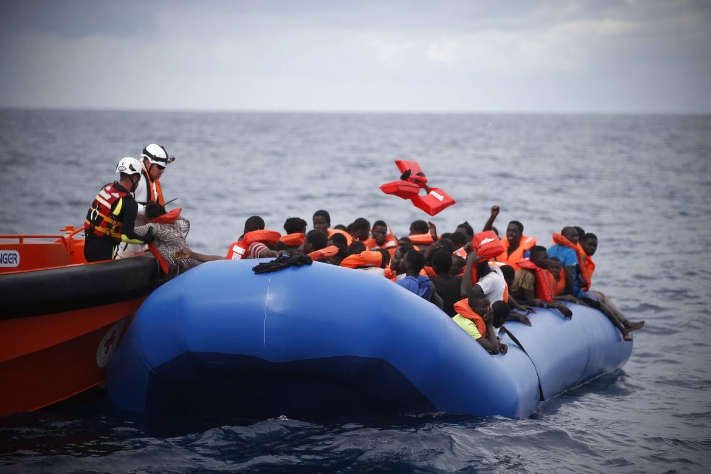 Migranti soccorsi dall'ong Moas