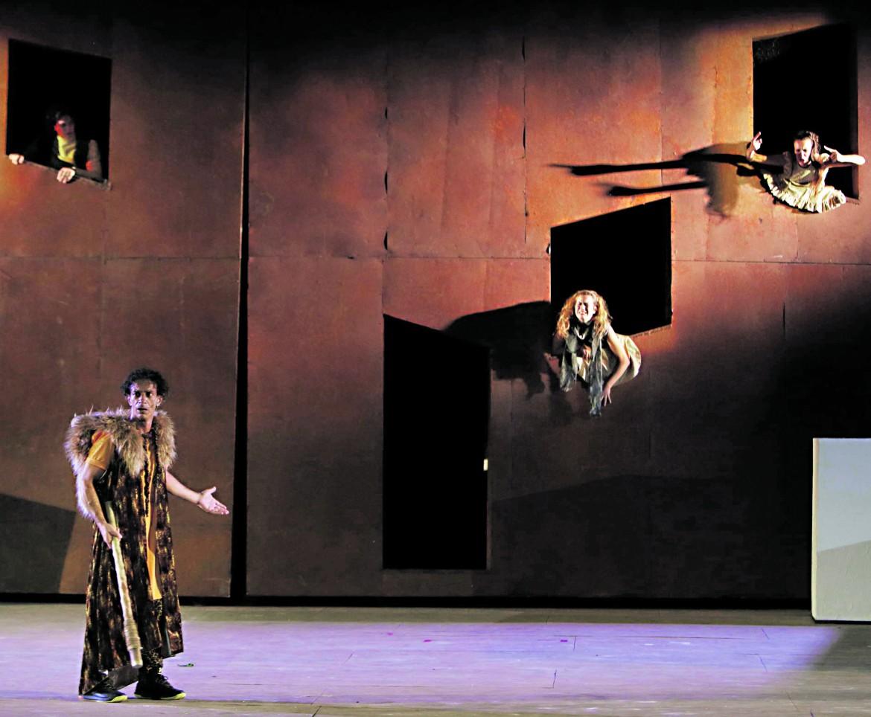 Le Rane di Aristofane per la regia di Giorgio Barberio Corsetti, in scena quest'estate al Teatro greco di Siracusa
