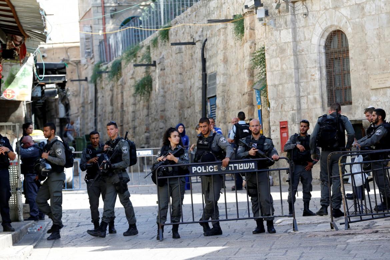Poliziotti israeliani a Gerusalemme