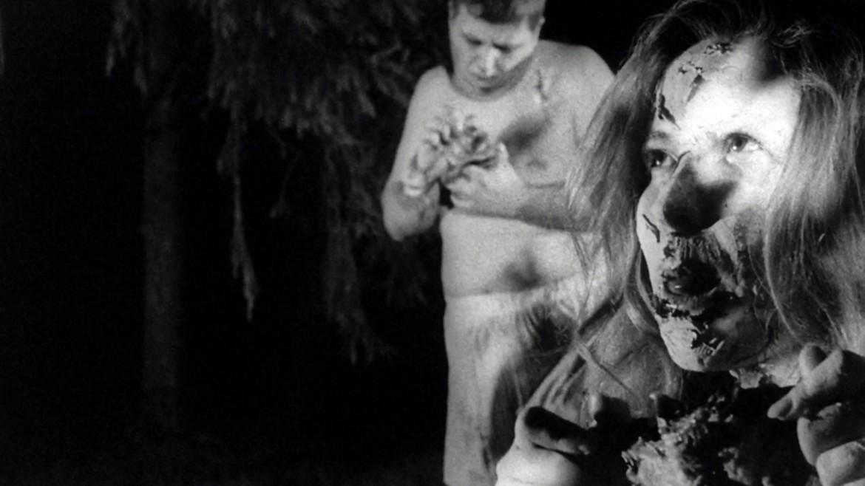 Una scena da «La notte dei morti viventi» (1968)