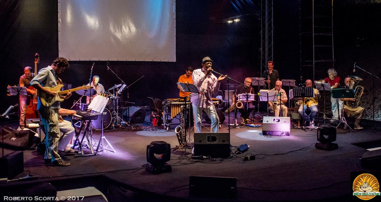 Riccardo Fassi e la Tankio Band con Napoleon Murphy Brook