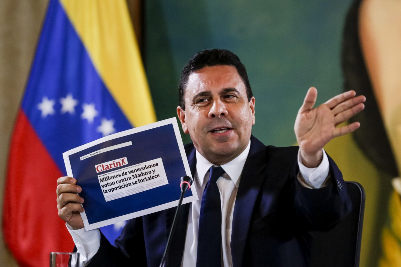 Il ministro degli Esteri venezuelano Samuel Moncada