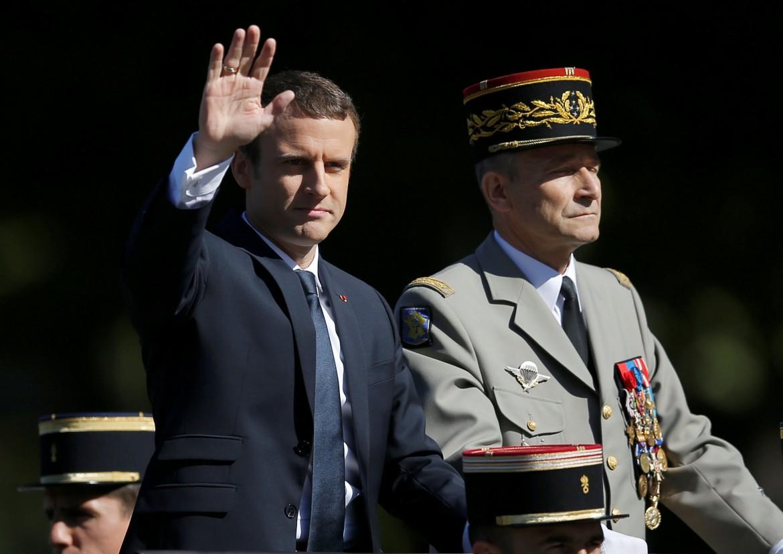 Emmanuel Macron e il generale Pierre de Villers