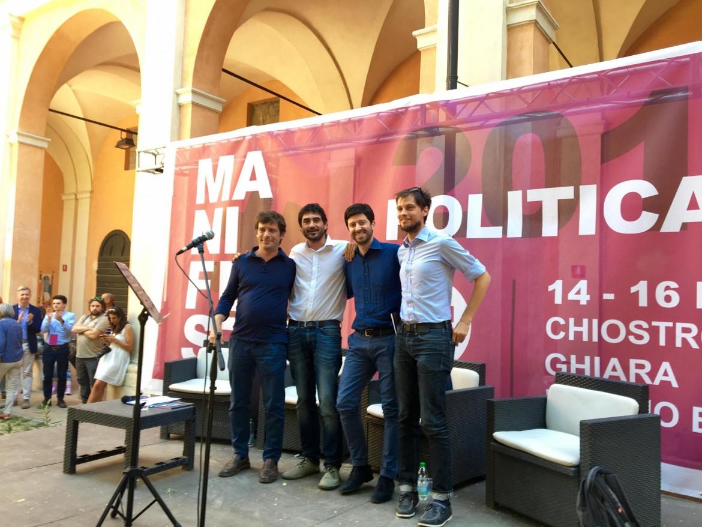 Poker della sinistra Reggio Emilia, il 16 luglio scorso. Da sinistra: Pippo Civati, Nicola Fratoianni, Roberto Speranza e Alessandro Capelli