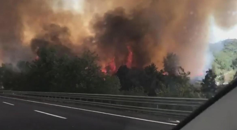 L'incendio sll'autostrada