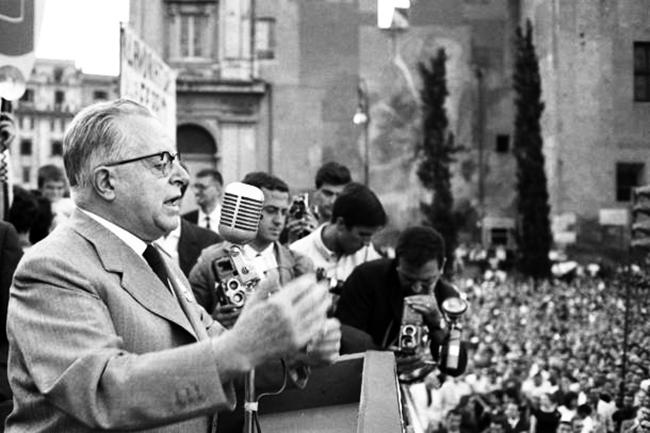 Palmiro Togliatti in piazza San Giovanni a Roma, 3 luglio 1964