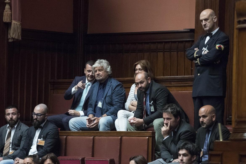 Roma, Beppe Grillo assiste a Montecitorio al dibattito dell'Aula sulla legge di riforma dei vitalizi