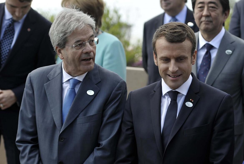 Il premier italiano Paolo Gentiloni e il presidente francese Emmanuel Macron