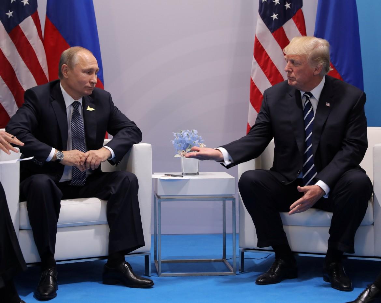 il gelido incontro tra Putin e Trump al G20