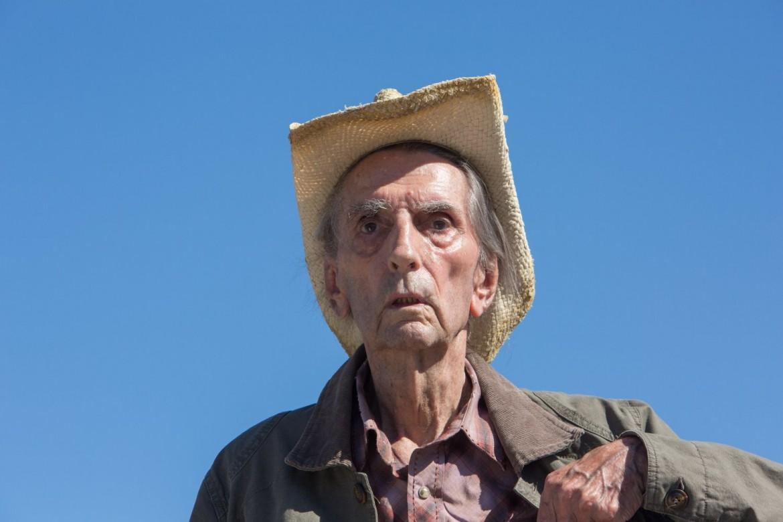 Harry Dean Stanton in «Lucky» di John Carroll Lynch. Sotto «Per una rosa» di Marco Bellocchio