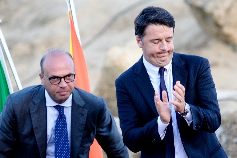 Angelino Alfano e l'ex premier Matteo Renzi