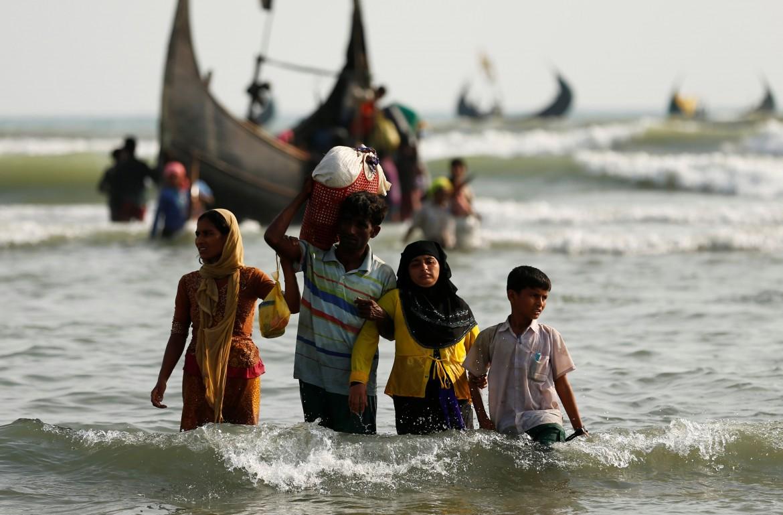 Profughi rohingya in fuga dal Myanmar