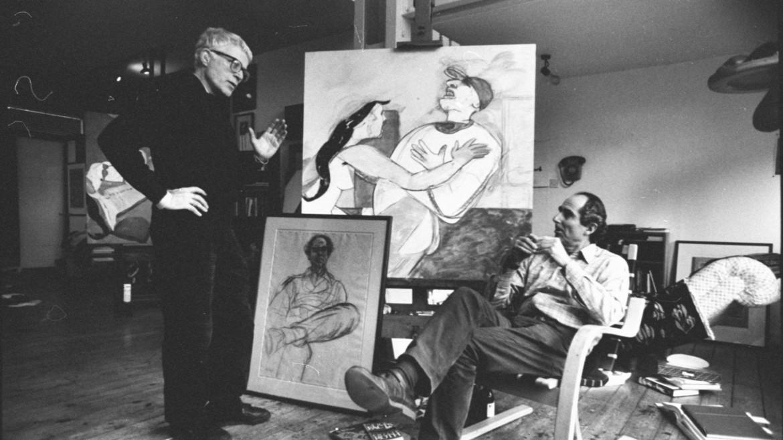 Philip Roth nello studio  di Ronald Brooks Kitaj (in piedi),  nel 1985. Sul cavalletto, un disegno dell'artista  che raffigura lo scrittore