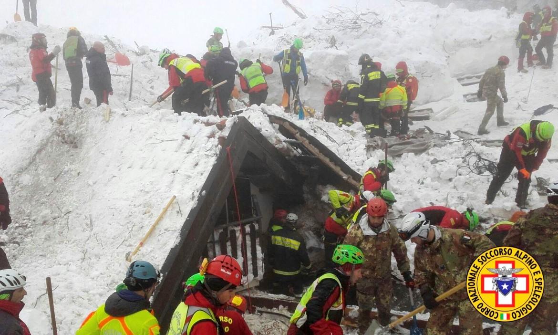 Un'immagine della tragedia dell'Hotel Rigopiano (Pescara) del gennaio 2017