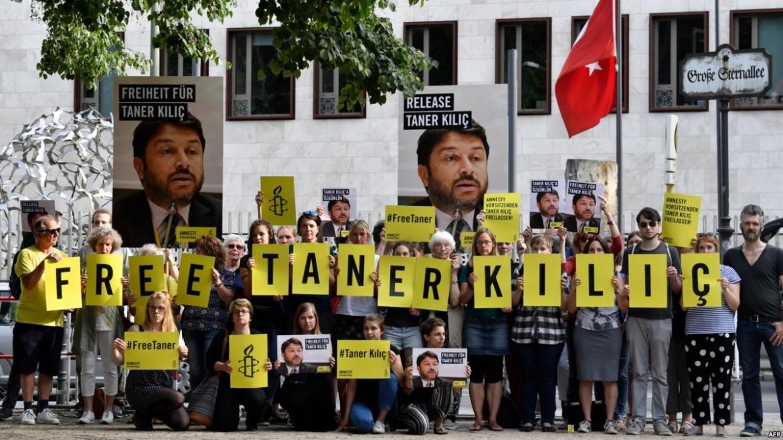 Manifestazione per la liberazione di Taner Kilic