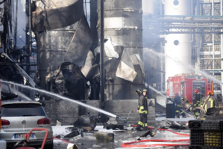 Esplosione nella fabbrica Ecosfera, a Bulgarograsso, nel comasco